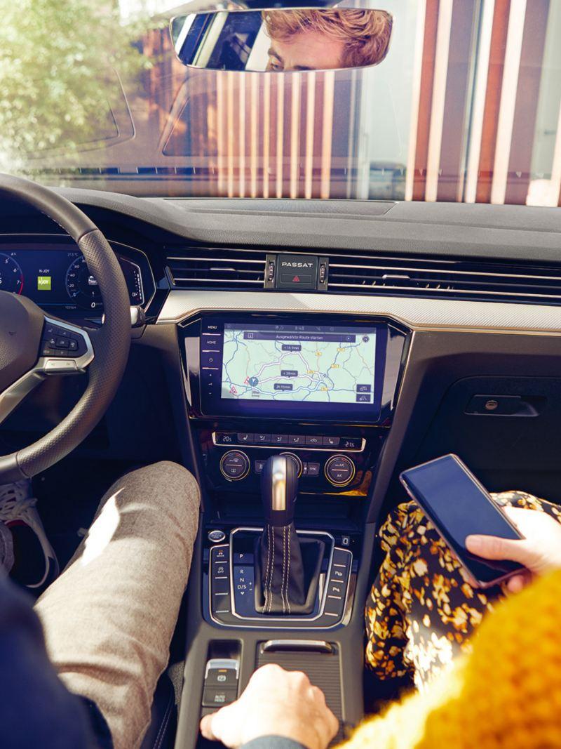 Passat Discover Media ve Discover Pro navigasyon sistemleri