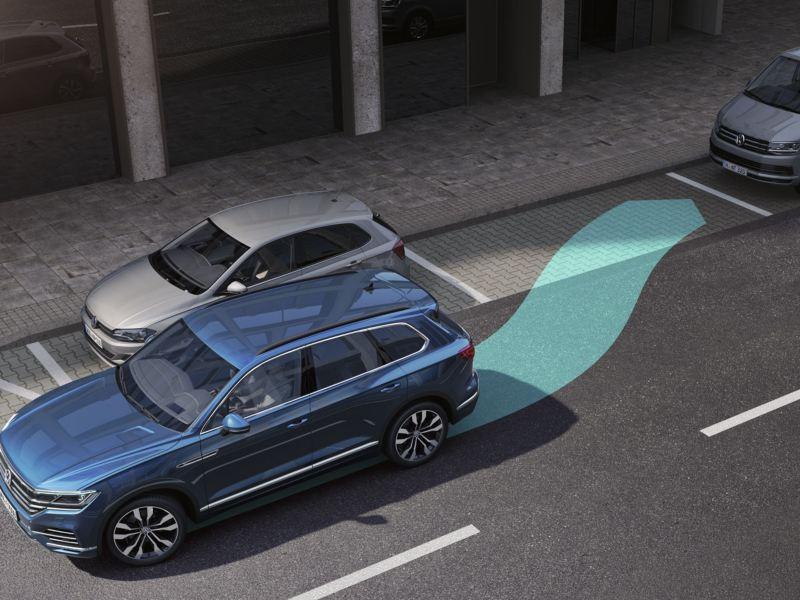 Representación gráfica del Volkswagen Touareg aparcando en línea con ayuda del asistente