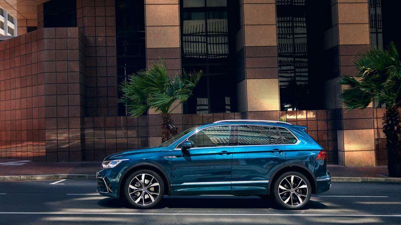 Nye VW Volkswagen Tiguan SUV sett fra siden