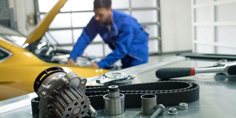 Courroie de distribution dans l'atelier d'un Réparateur Agréé Volkswagen