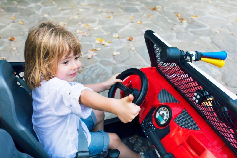 Voiture électrique à deux places pour enfants avec ceinture