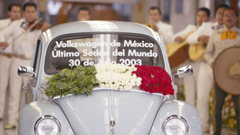 Último Beetle producido en México en julio de 2003