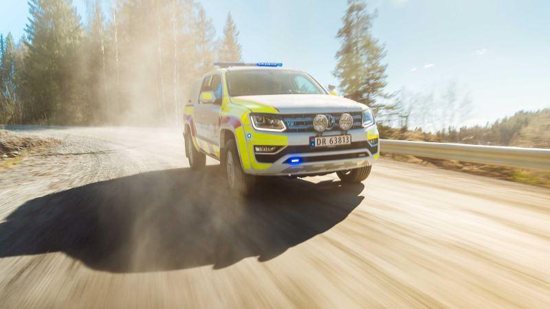 vw Volkswagen Amarok pickup militærpoliti utrykningskjøretøy påbygg politibil