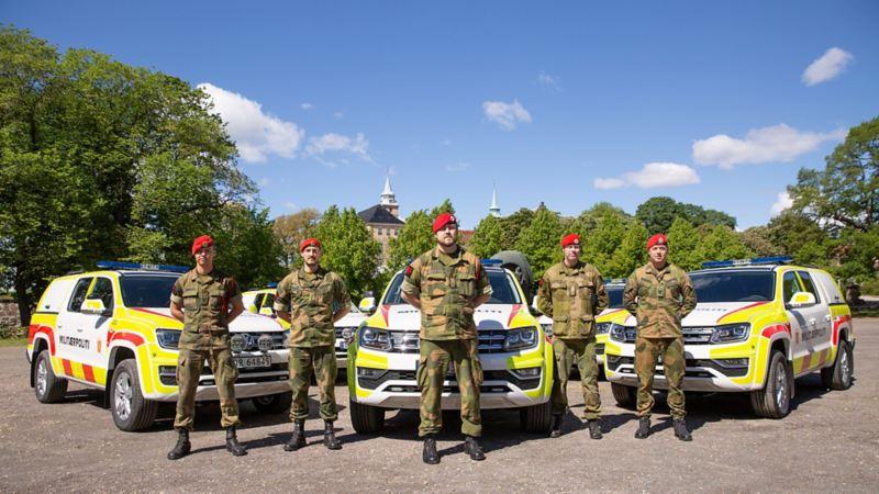 Militærpolitiet går for Amarok pickup og pickupene ble levert utenfor Akershus festning i Oslo i godt selskap med militærpolitiet sine egne. Soldater i uniform