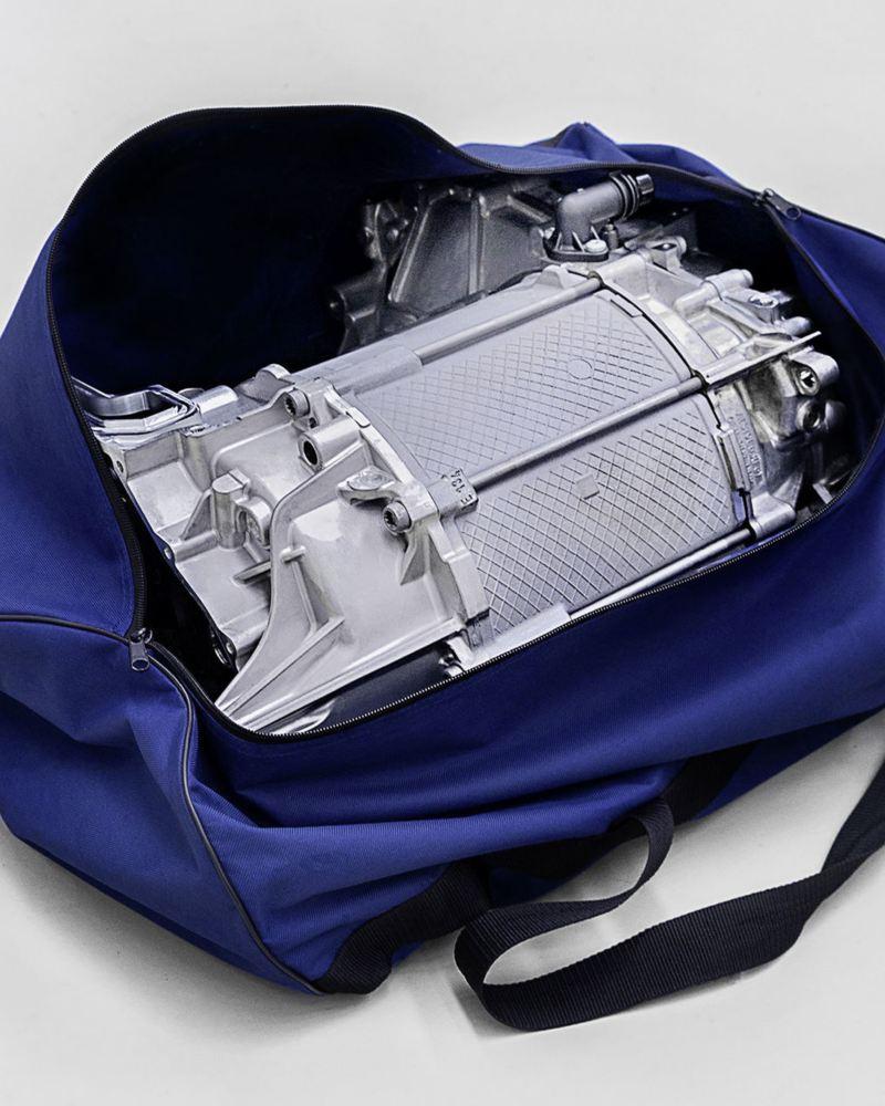 Sporttasche mit Motor-Komponenten
