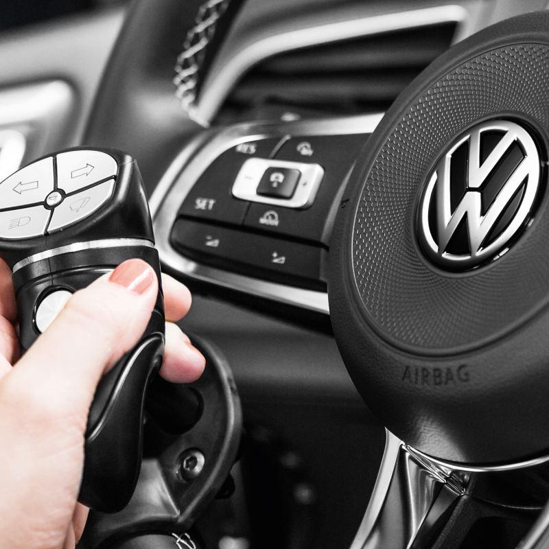 Volkswagen Fahrhilfen für Menschen mit Handicap, Drehknäufe und Blinker- und Wischerhebelverlegung
