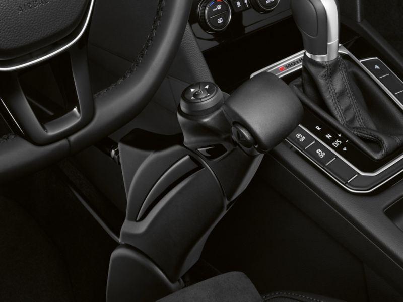 """Volkswagen Fahrhilfen für Menschen mit Handicap, Handbediengerät """"Compact"""" mit Commander-Funktion"""