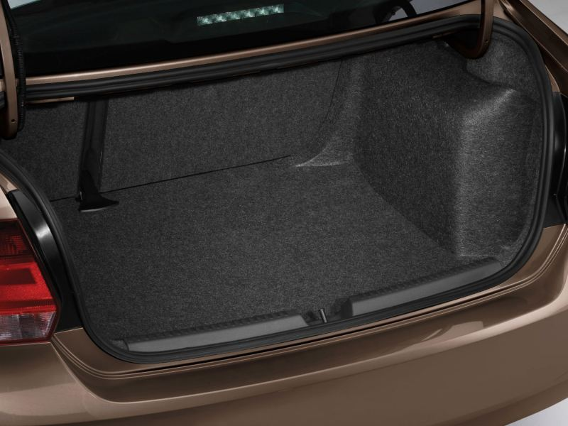 polo sedan boot space