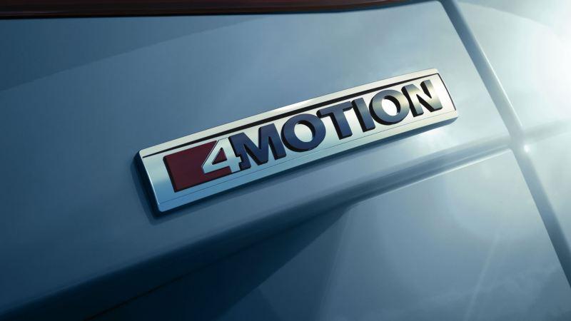 Detalle del logotipo 4Motion de Volkswagen