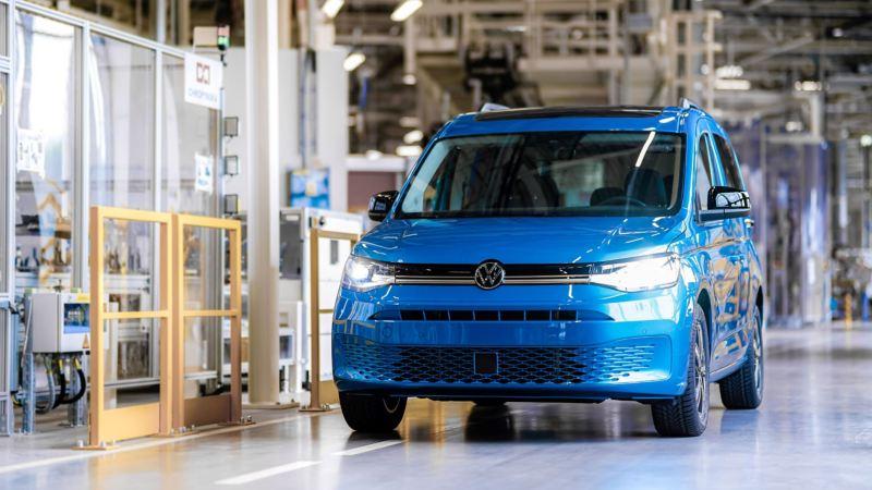 Nowy Caddy 5 we wnętrzu Fabryki Volkswagen Poznań