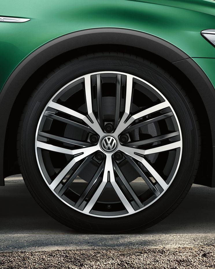 Detalle de las llantas del Volkswagen Passat Alltrack