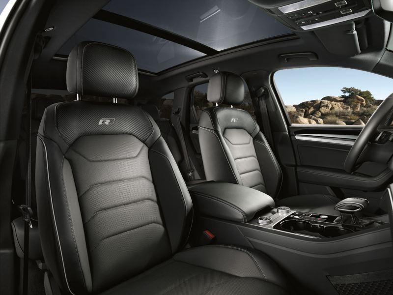Vista de los asientos delanteros R del Volkswagen Touareg