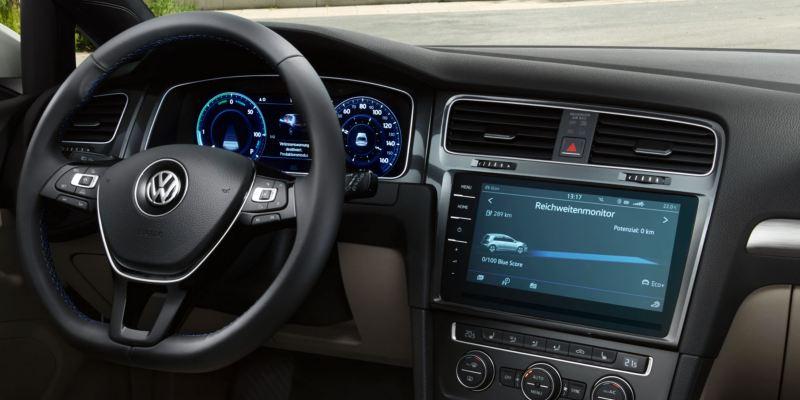 Volante y Digital Cockpit de un e-Golf visto desde el asiento del acompañante