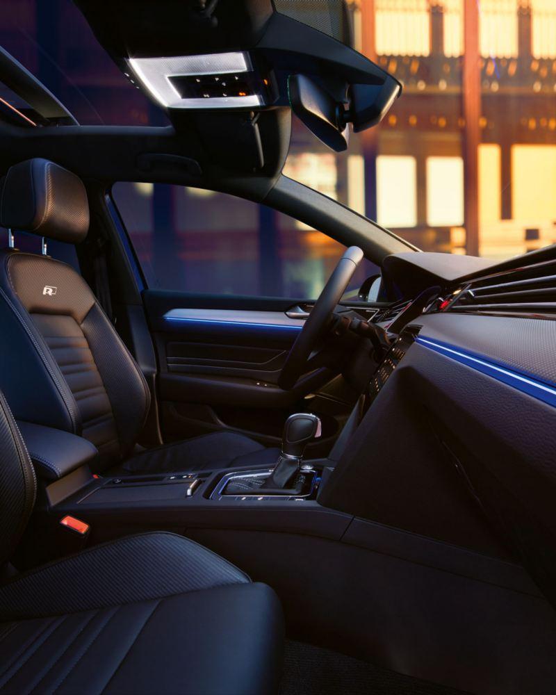 Vista del puesto de conducción del Volkswagen Passat