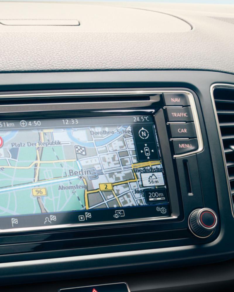 Pantalla del sistema de navegación Discover Media del Volkswagen Sharan