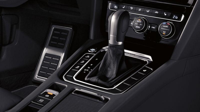 Innenansicht eines VW Arteons, Detail Mittelkonsole