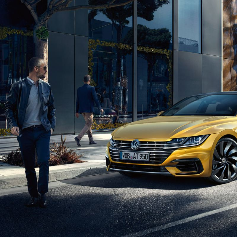 Arteon R-Line front view on street in front of building