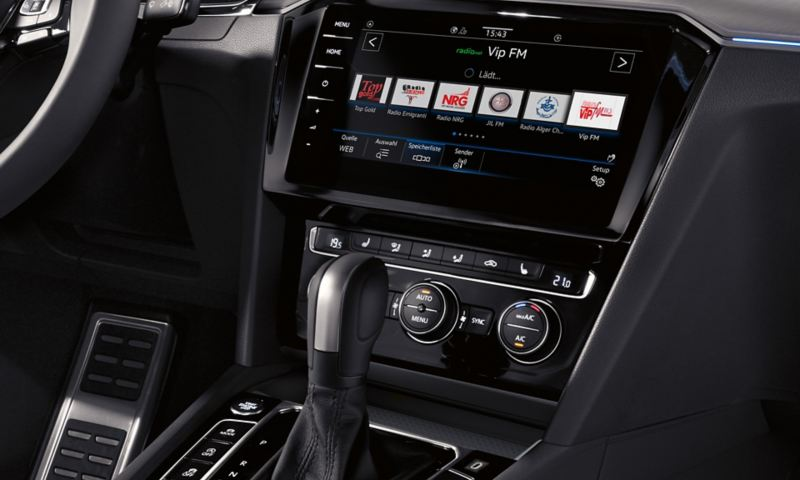 Arteon 'Comfort' telephone interface with charging cradle for inductive charging