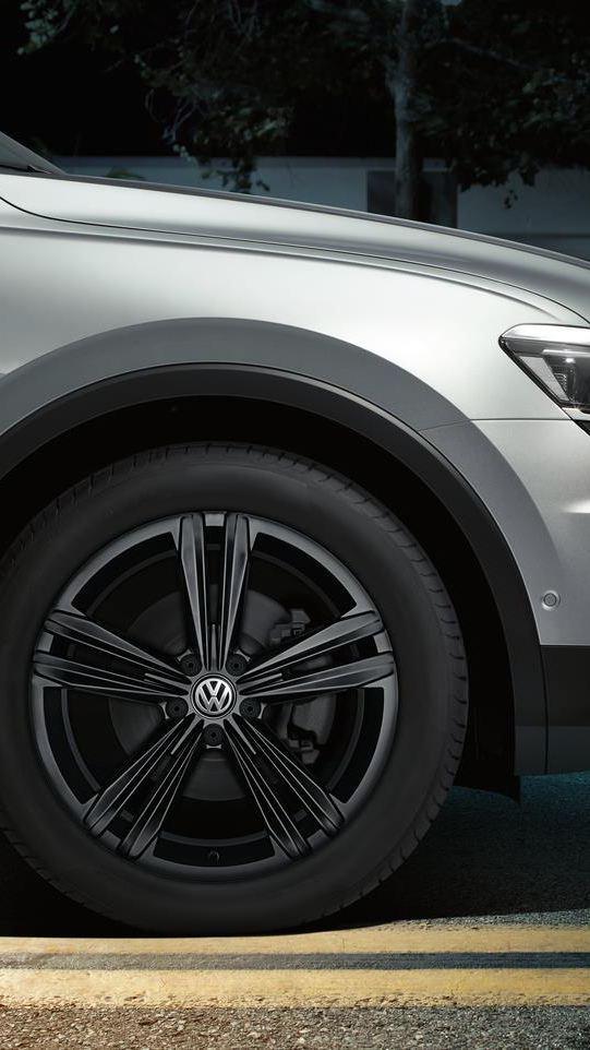 Une voiture Volkswagen prête à partir à l'aventure avec des accessoires d'origine