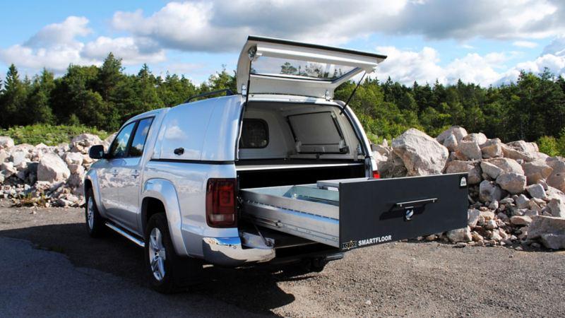vw Volkswagen beige brun Transporter T6 med smartfloor bilinnredning billinnredningsskuff