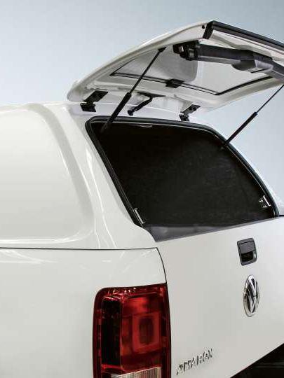 Carrinha Amarok com o interior reforçado.