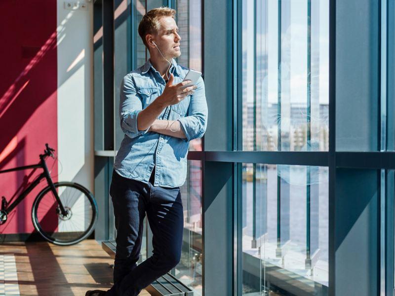 Podcast zur Elektromobilität hören