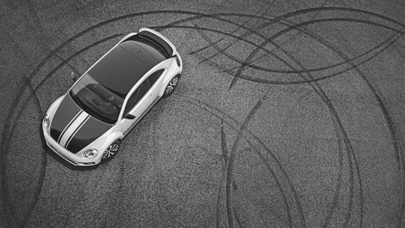 vista aerea foto Beetle GSR sgommate bianco nero maggiolino volkswagen