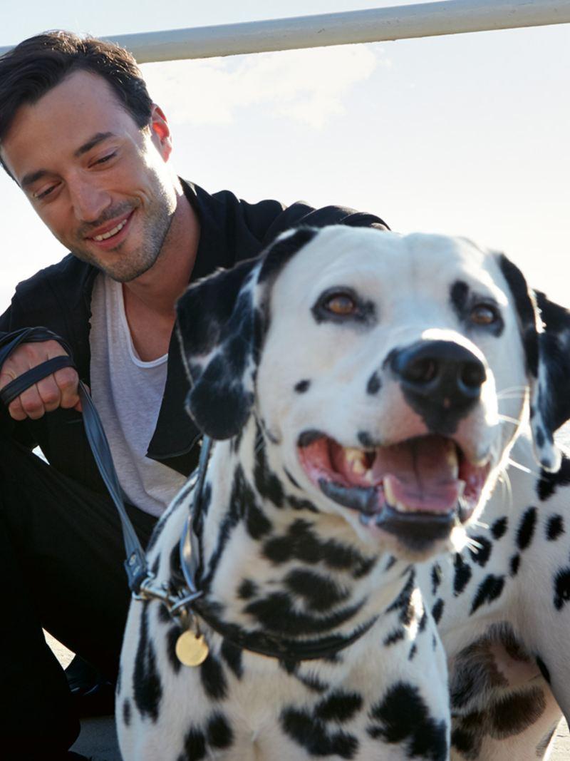 Man med en hund