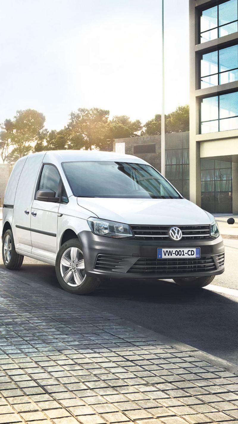 Volkswagen Véhicules Utilitaires caddy van blanc ville