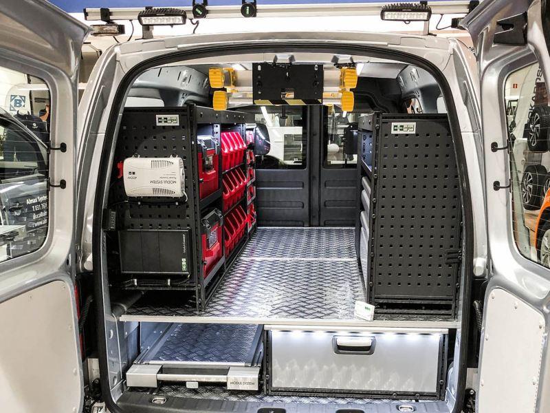 Inredning i en Volkswagen Caddy.