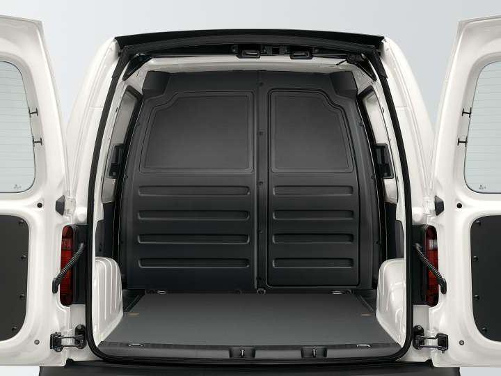 Interior da área de carga da VW Caddy Maxi.