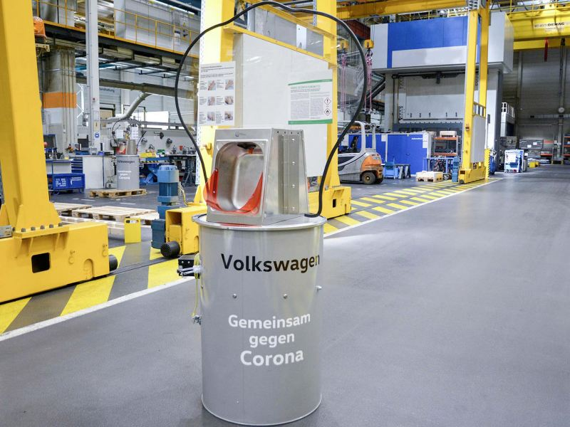 Volkswagen employees in Emden have designed a disinfectant dispenser themselves