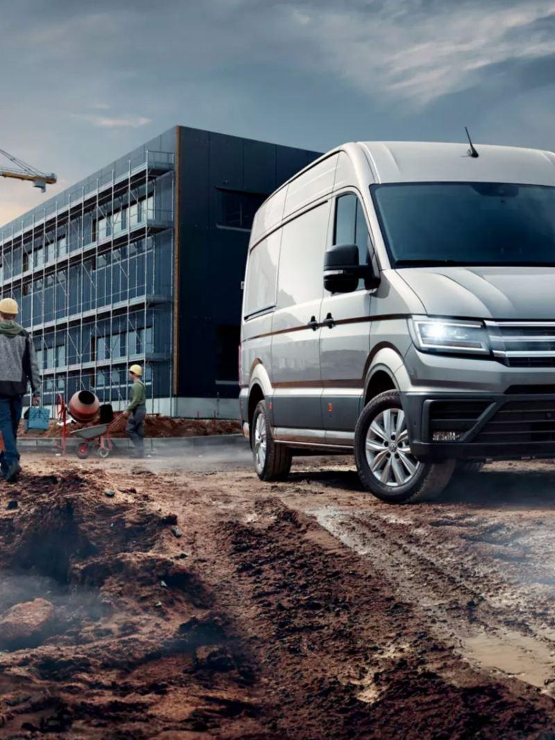 vw Volkswagen Crafter stor varebil kassebil byggeplass entreprenør bygningsarbeidere