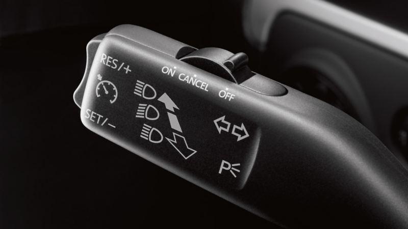 Visualizzazione del cruise control su una VW Golf