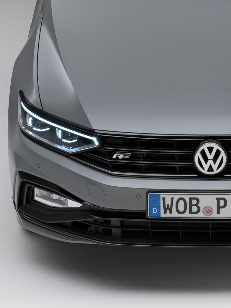 "Passat Variant R-Line ""Edition"" Front view with LED matrix headlights and fog lights"