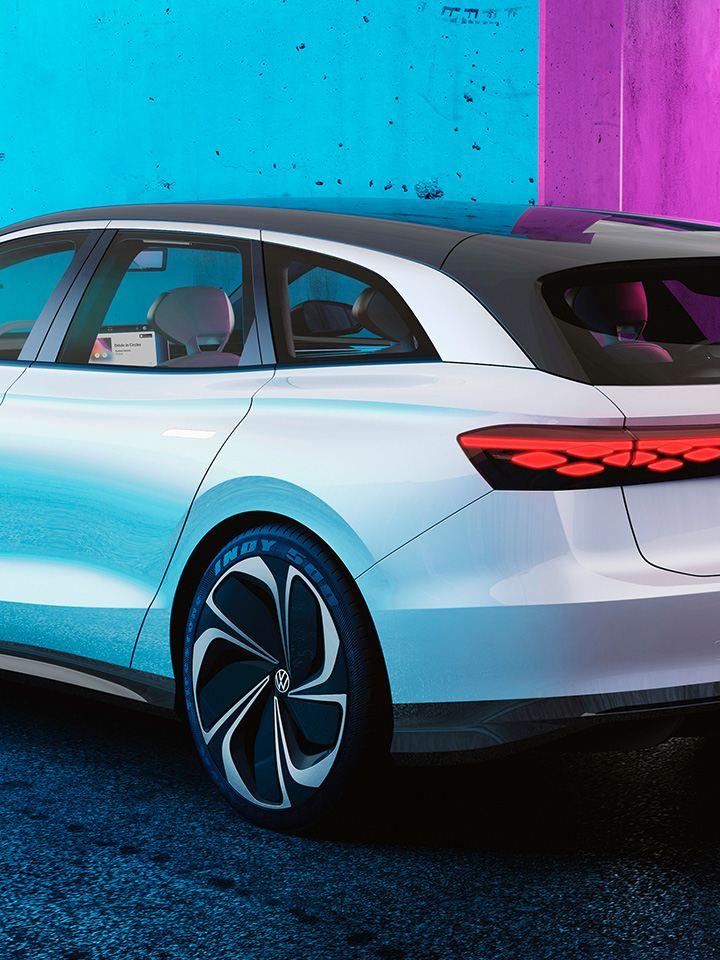 Der Volkswagen ID. SPACE VIZZION von hinten