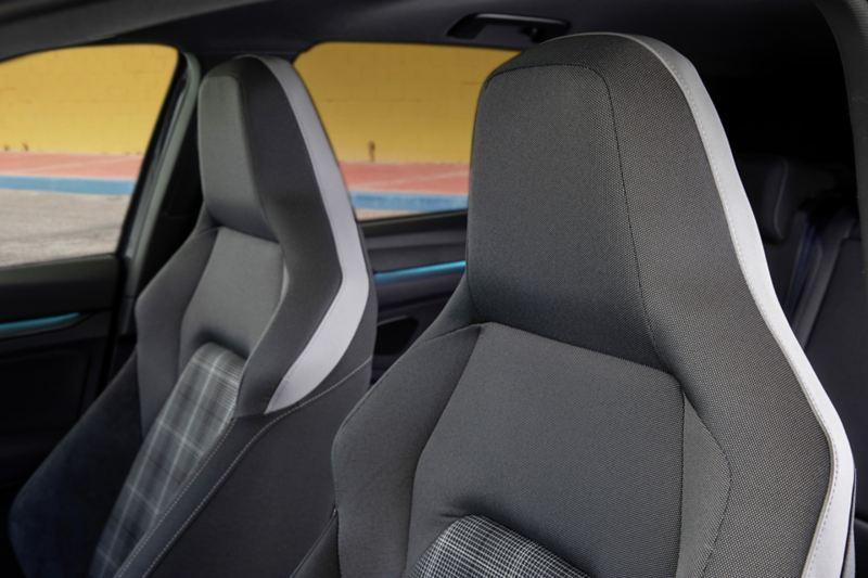 Sedili anteriori di Volkswagen Golf 8 GTD