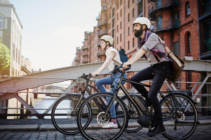 La bicicletta a pedalata assistita a motore per la quotidianità