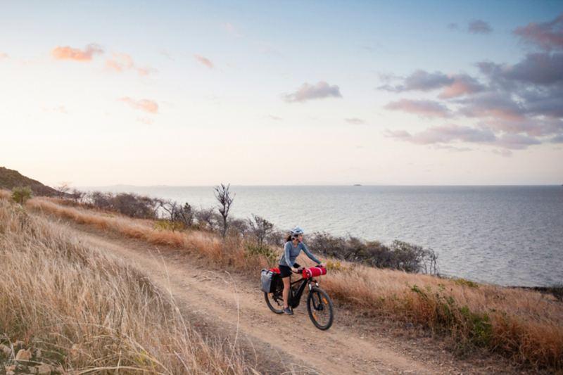 Bicicletta elettrica da cicloturismo per lunghi percorsi