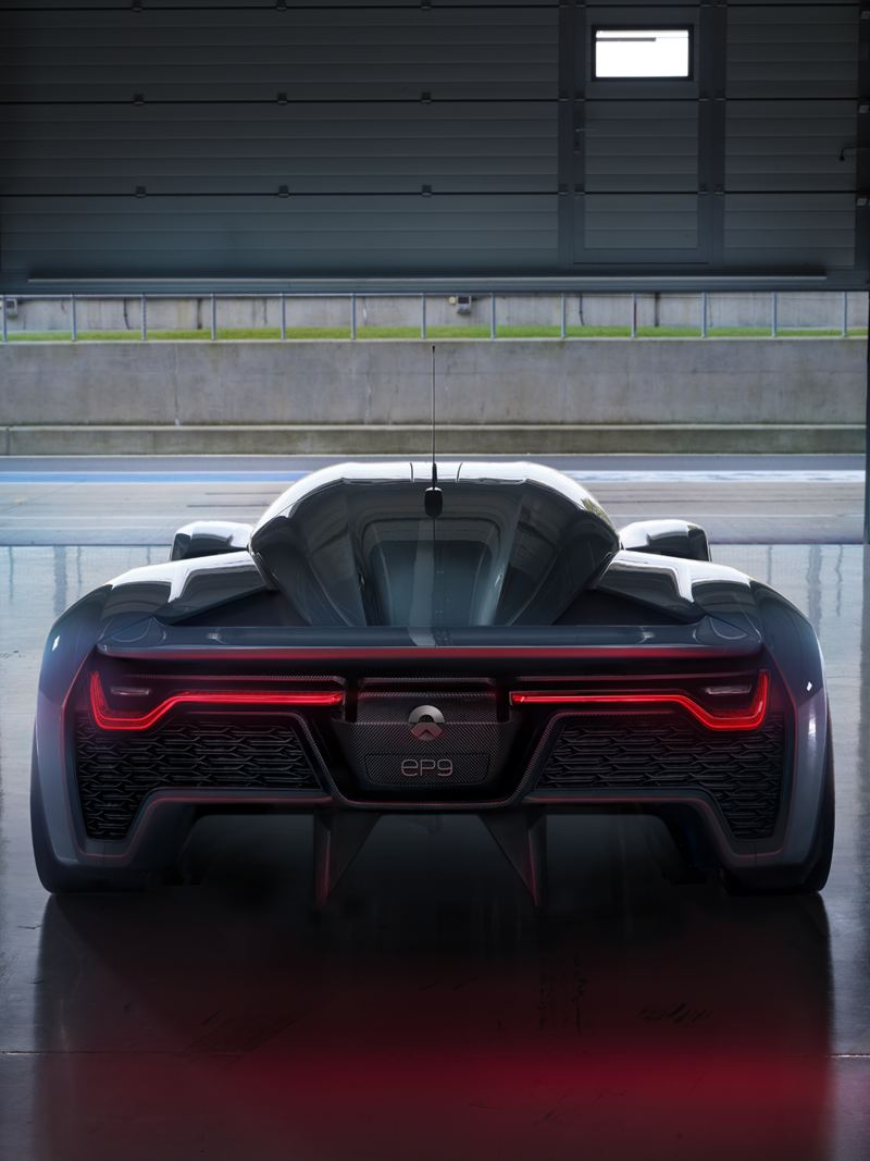 "Rear view of the ""NIO EP9"""