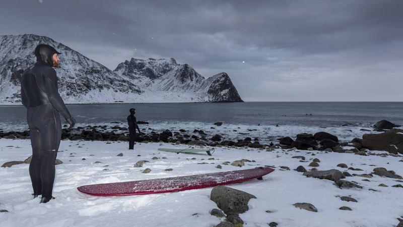 Ska vi verkligen surfa i denna kylan?