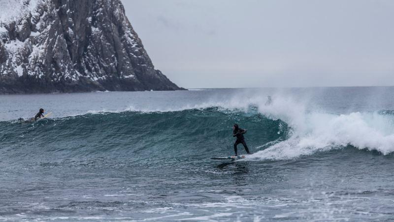 Vintersurfing i Lofoten
