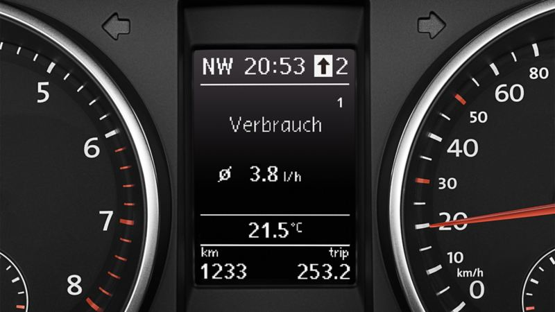Image of gear-change indicator in the VW Golf's multifunction display