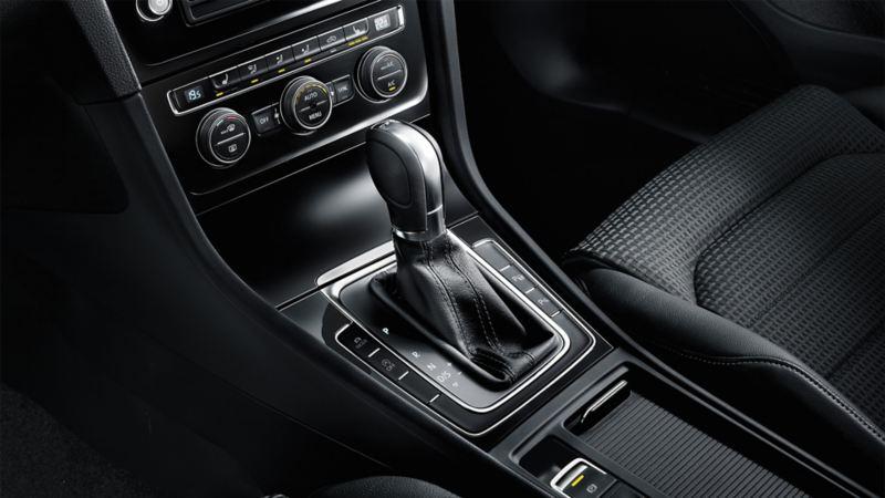 Konsola środkowa w VW Golfie