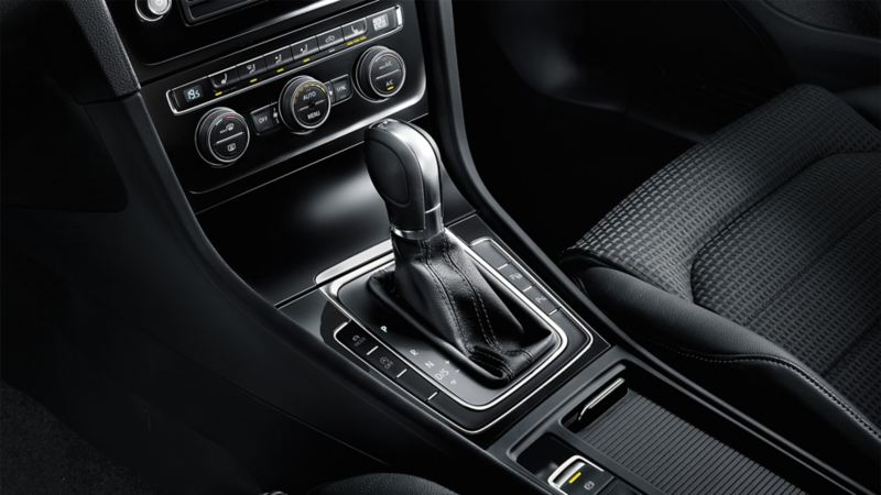 VW Golf centre console