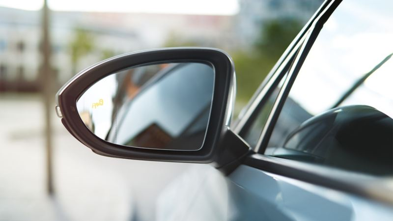 GTD exterior mirror with 'Blind Spot' sensor
