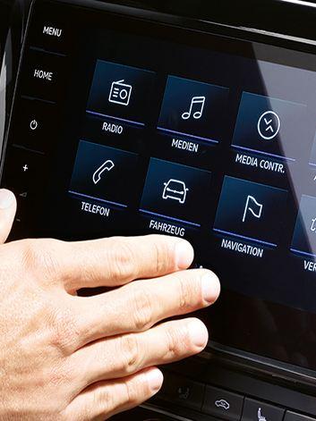 Nuovo Discover Pro con sensori di prossimità, comandi vocali e comandi gestuali.