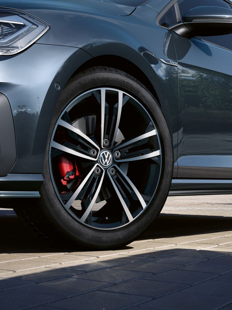 VW Golf GTD 3/4 side view dynamic