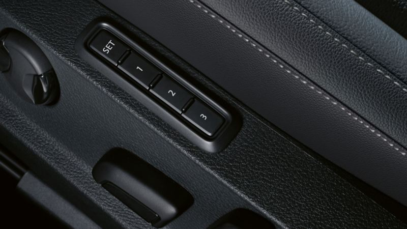 Image of seat adjustment with memory function in a VW Golf
