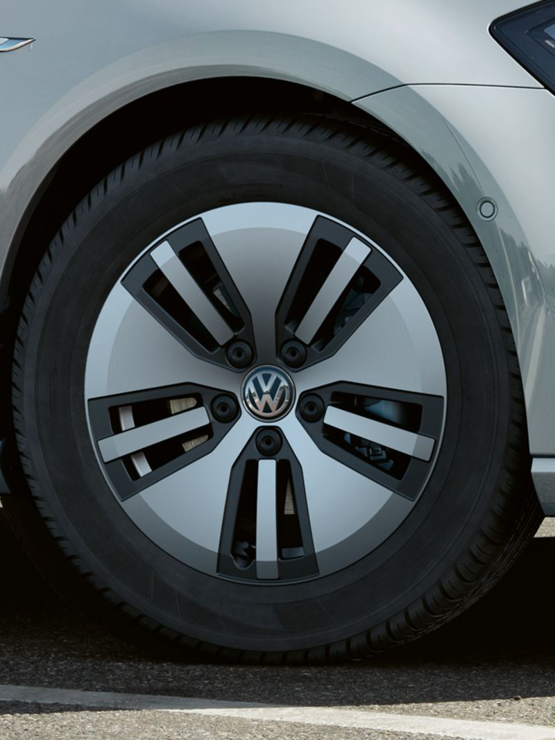"Cerchi in lega leggera ""Astana"" da 16"" per e-Golf Volkswagen"